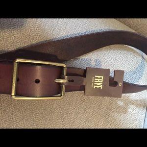 (1993). Men's Frye belt.  Sz 32  NWT